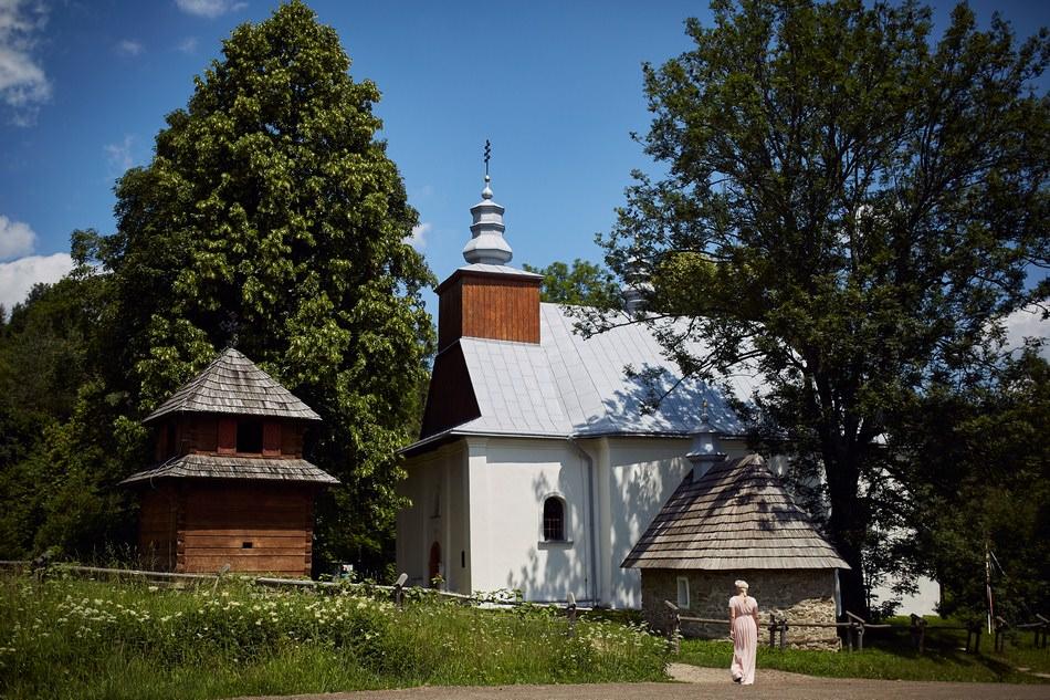 Sesja plenerowa w Bieszczadach cerkiew