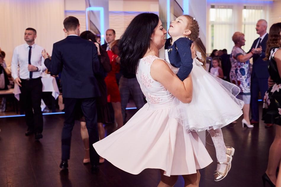Fotograf slubny krosno wesele w dwa serca