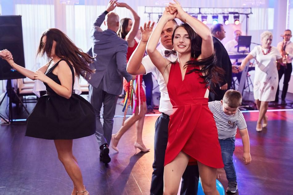 Fotograf slubny krosno wesele lokal dwa serca taniec