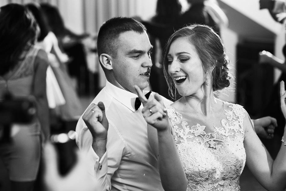 wesele krosno sala dwa serca taniec pary mlodej