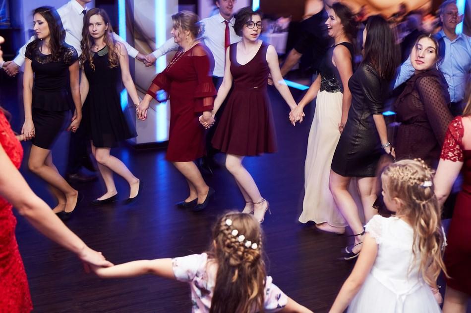 fotograf na slub krosno dwa serca wesele zabawa tance oczepiny