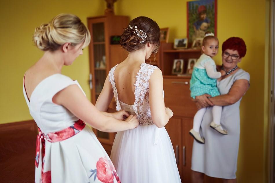 Fotograf slubny krosno wesele przygotowa