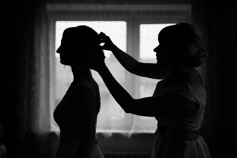 Fotograf slubny krosno wesele przygotowa panny mlodej