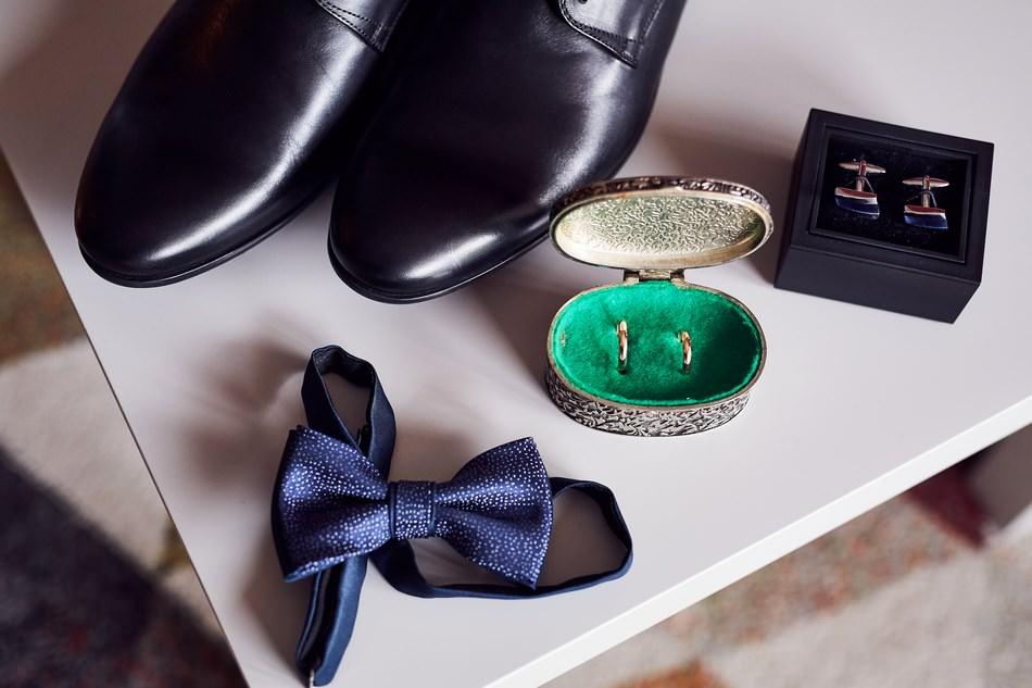 fotografia slubna mielec przyfotowania obraczki buty