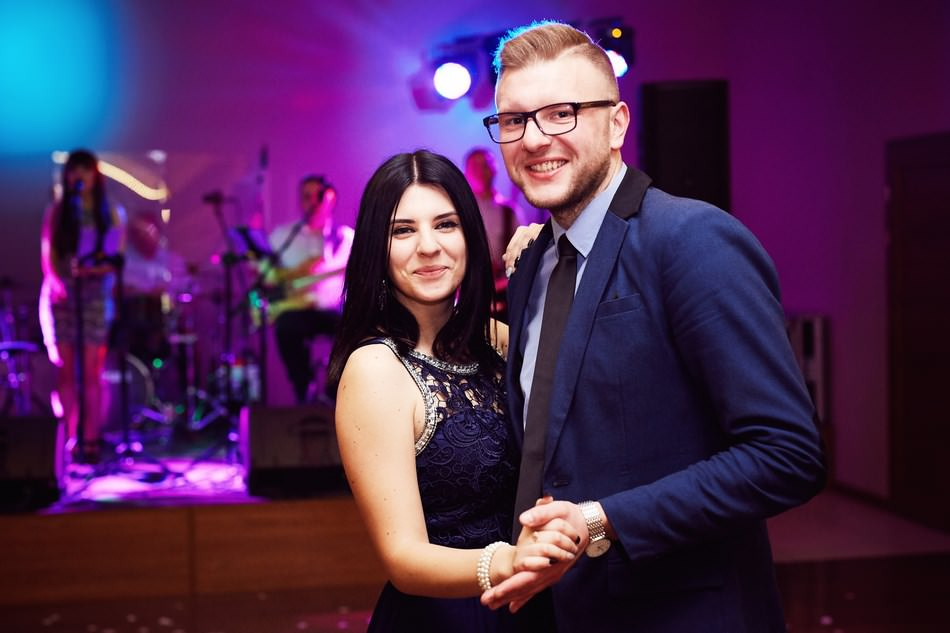 wesele w jaroslawiu tanczaca para