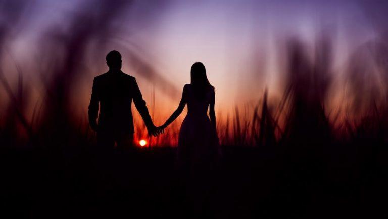 Romantyczna Sesja na wzgórzu – Fotograf ślubny Sanok | E & K